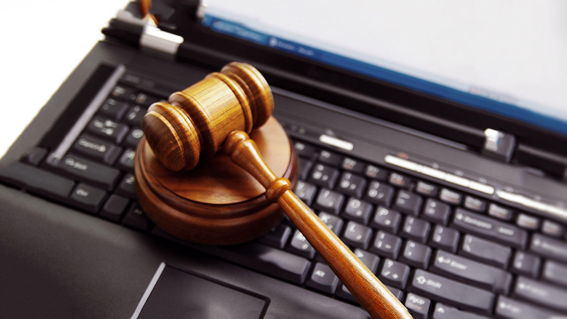 Bienenstock Nationwide Court Reporting Announces Technology Based Services